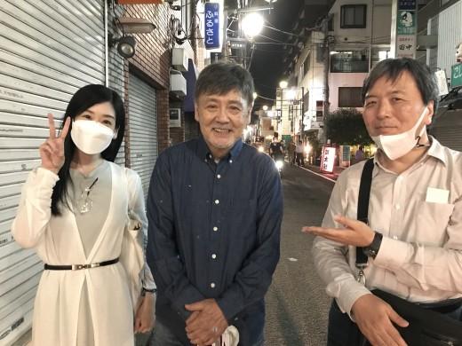 伴大介さん(中央)と、TV『さんま御殿』の「ならぬ女」で最近プチブレイクしている嶋﨑亜美嬢。